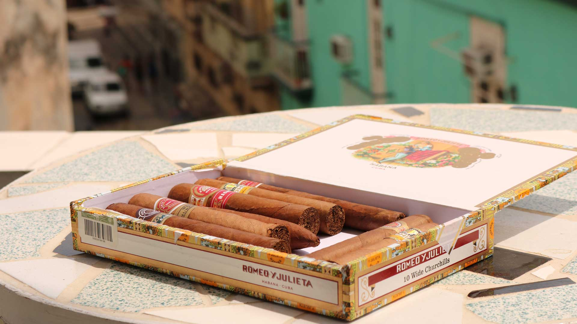 Some-Different-Cigar-Cases-That-Are-Worth-Buying-on-TheSunrisePost