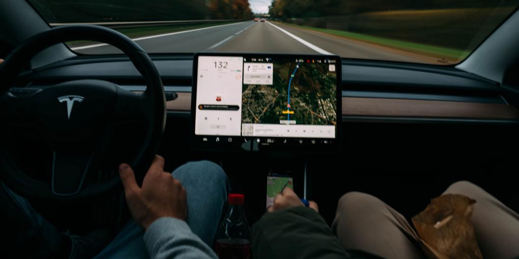 GPS-Tracker-for-Car-on-TheSunrisePost